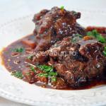Thumbnail image for Spanish oxtail stew – rabo de toro