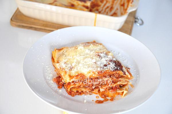 Lasagna la cuptor