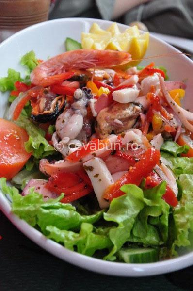 salata-cu-fructe-de-mare