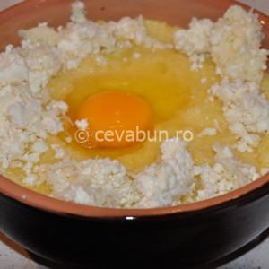 Faceţi un cuib şi puneţi un ou
