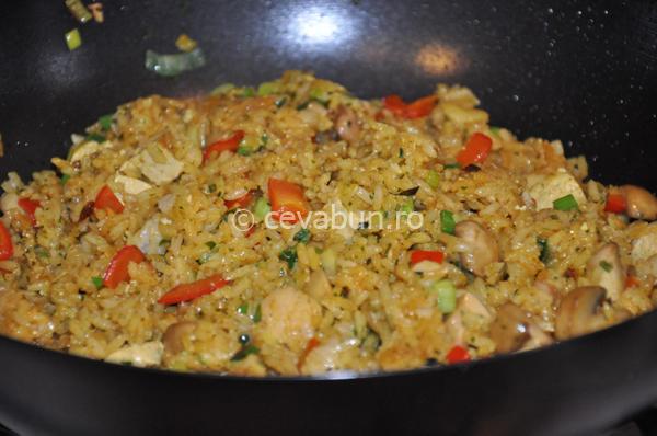 Orez cu tofu şi legume