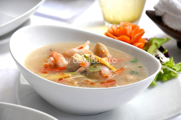 Supă Tom Yum cu creveți