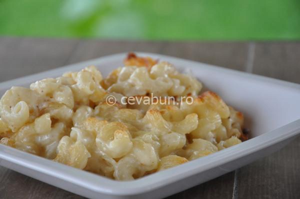 Articole culinare : Macaroane cu brânză