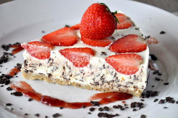 Post image for Strawberry & chocolate chips cheesecake (no-bake)