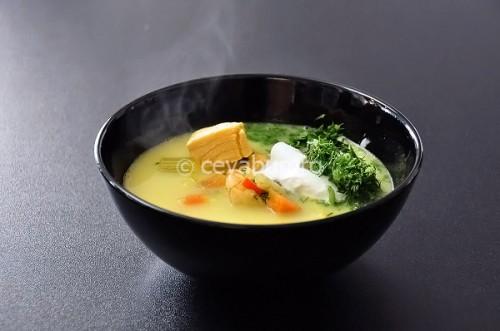 Supă de somon cu creveţi