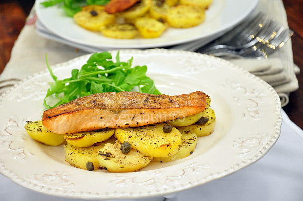 Post image for Salmon with thyme and capers