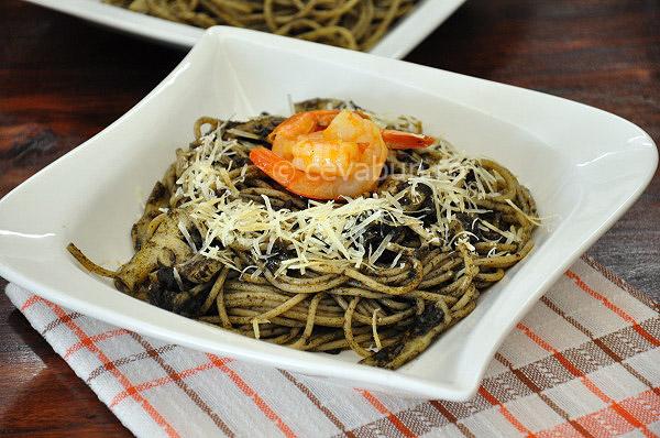 Spaghetti cu cerneala de sepie