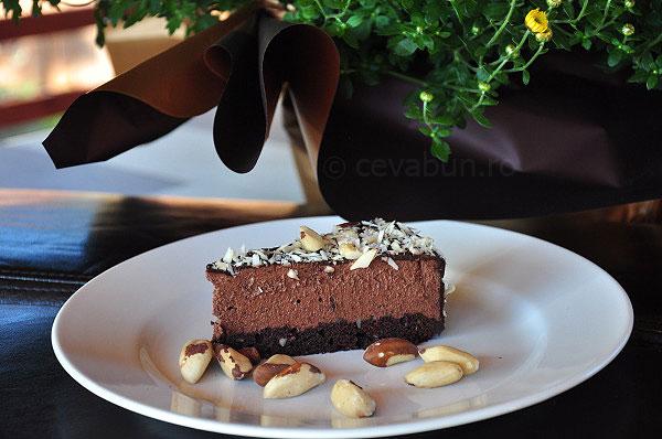 Cheesecake cu ciocolată şi nuci Brazilia