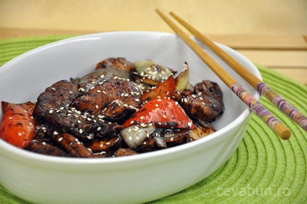 stir-fry de vita cu piper negru