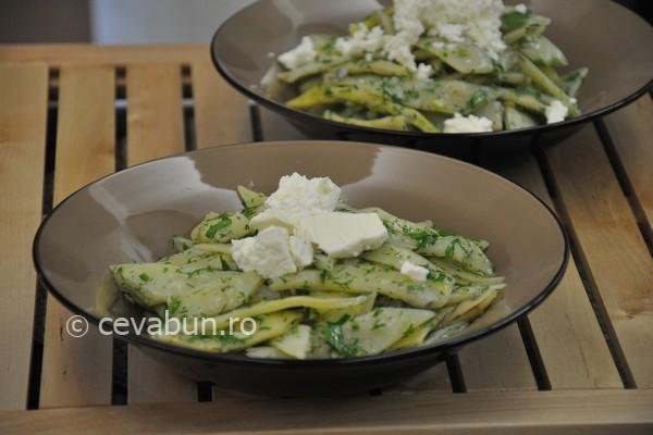 salata de pastai cu verdeaţă şi telemea
