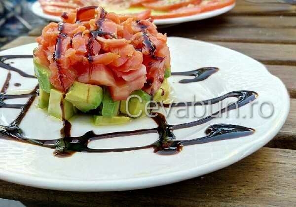 tartar-de-avocado-cu-somon-afumat_1472542644799