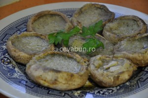 Ciuperci marinate la grătar