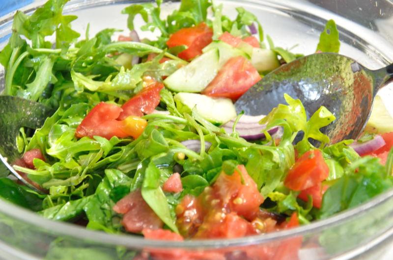 Salată cu rucola și pepene